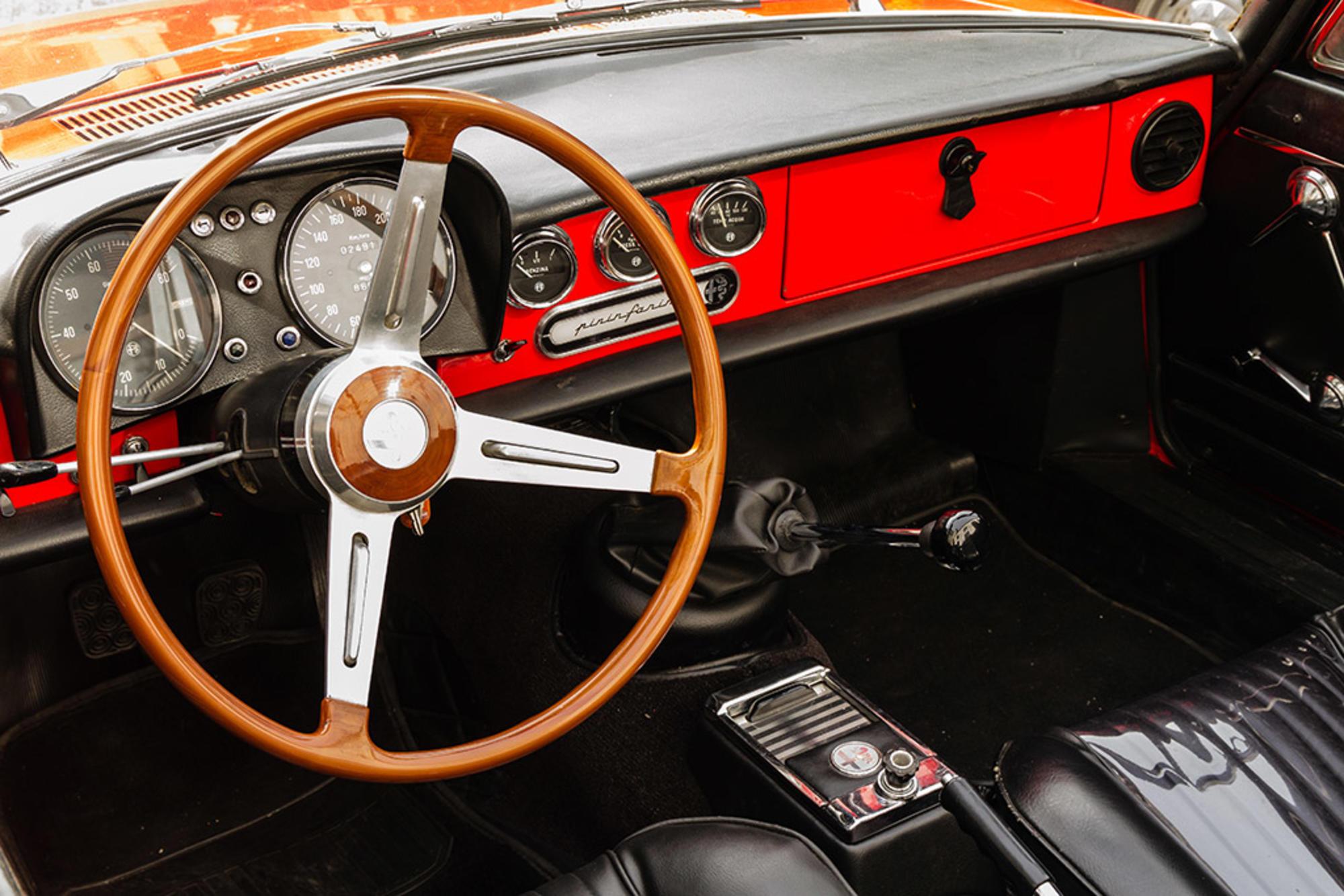 """Alfa Romeo Duetto """"Osso di seppia"""": la spider de Il Laureato compie 50 –  THE OUTLIERMAN"""