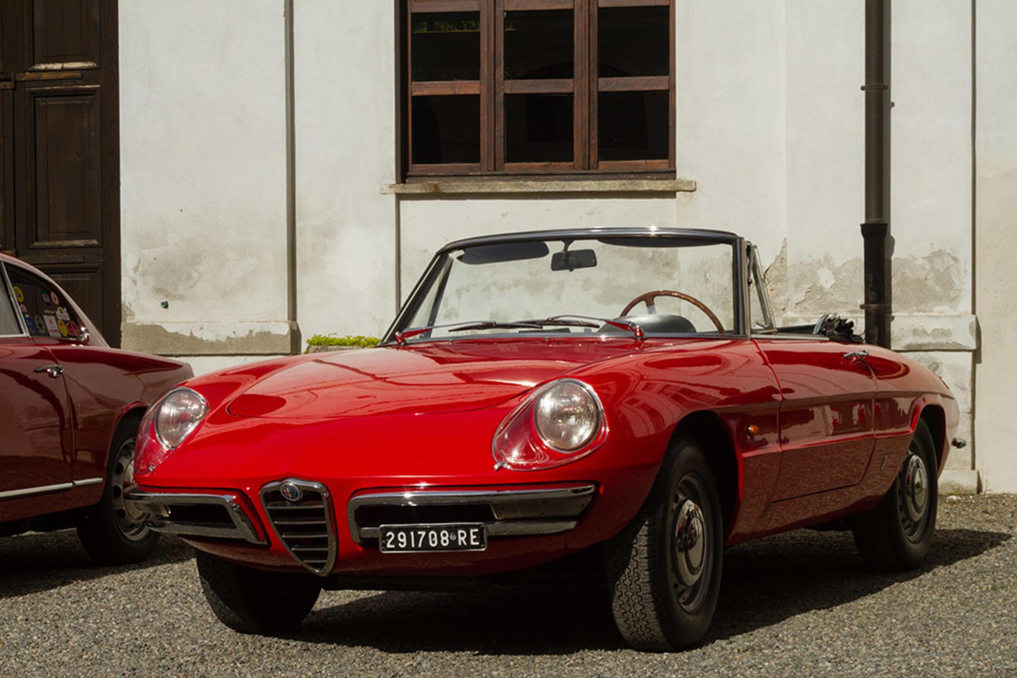 """Alfa Romeo Duetto """"Osso di seppia"""": la spider de Il Laureato ..."""